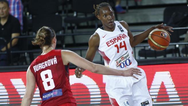 Sancho Lyttle, con la selección española de baloncesto.