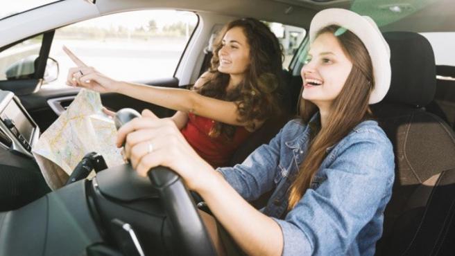 Jóvenes o mayores: ¿quiénes son mejores al volante?