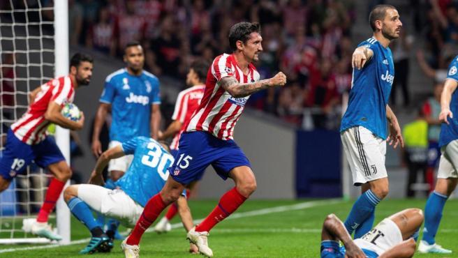 Savic celebra su gol en el el Atlético-Juventus.