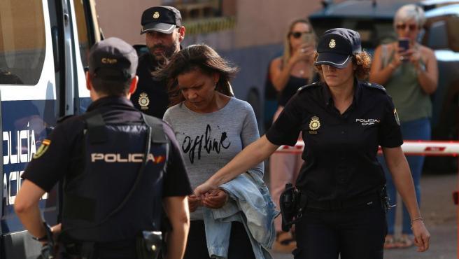Ana Julia Quezada llega a la Audiencia Provincial de Almería para escuchar el veredicto sobre la muerte violenta de Gabriel Cruz.