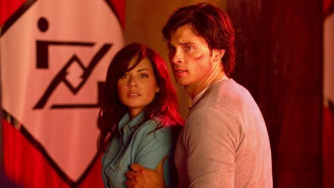 Tom Welling y Erica Durance ('Smallville') también se apuntan al crossover del 'Arrowverso'