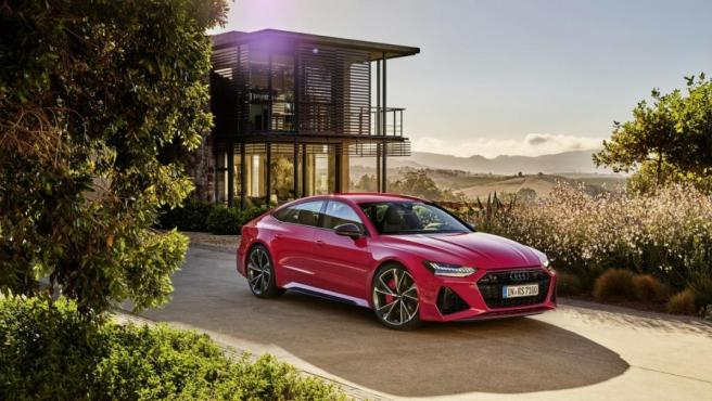 Audi RS 7 Sportback: dispone de un motor 4.0 TFSI y entrega una potencia de 600 CV.