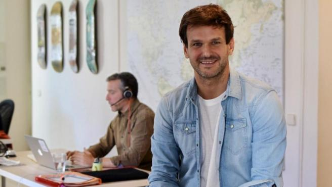 Tomás Santoro, cofundador de la startup SumaCRM, en su oficina de Madrid.