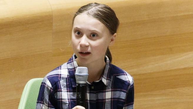 Greta Thunberg en una reunión en la ONU.