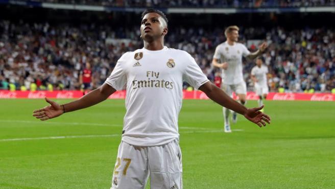 Rodrygo celebra su gol en el Real Madrid-Osasuna.