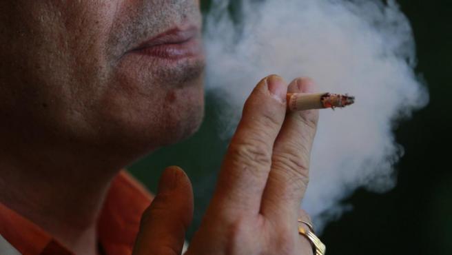 Cada vez hay menos personas que logran dejar el tabaco en España ...