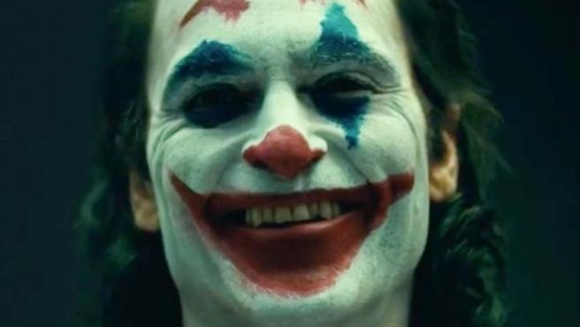 """Warner responde a las protestas por 'Joker': """"No le presentamos como un héroe"""""""