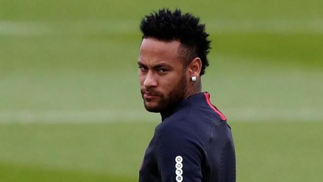 Neymar, durante un entrenamiento con el PSG.