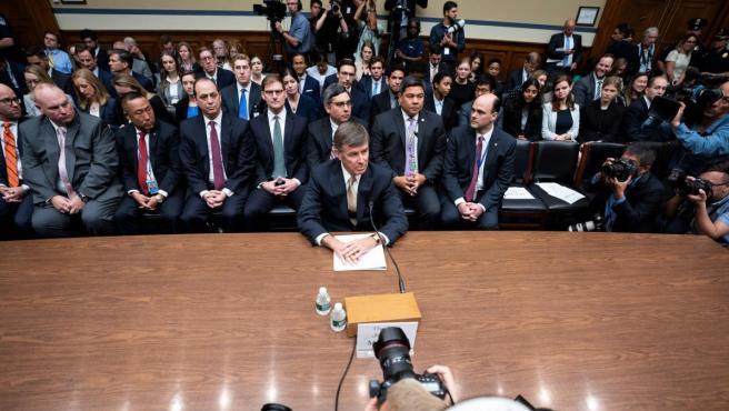 El director en funciones de la Inteligencia Nacional de EE UU, Joseph Maguire, testifica en el Congreso sobre la queja de un informante acerca de las presiones del presidente Donald Trump a su homólogo ucraniano, Vladímir Zelenski.