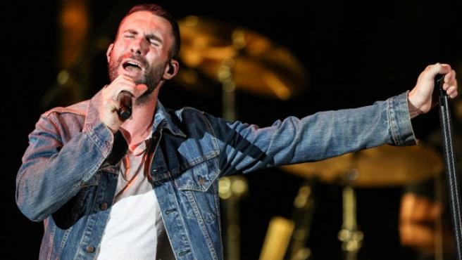 El cantante de Maroon 5, Adam Levine, durante un concierto.