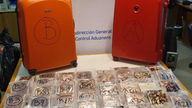 Cocaína con destino a España decomisada en el aeropuerto argentino de Ezeiza.
