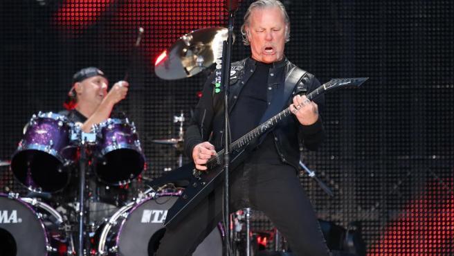 James Hetfield, vocalista de Metallica, durante un concierto de la banda en París.