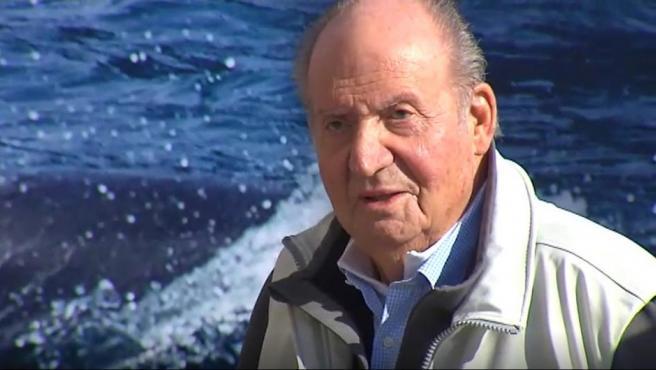 El rey Juan Carlos, durante la regata que lleva su nombre en Sanxenxo (Pontevedra).