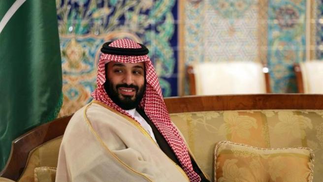 El príncipe heredero saudí, Mohamed bin Salmán, durante una visita oficial a Argelia.