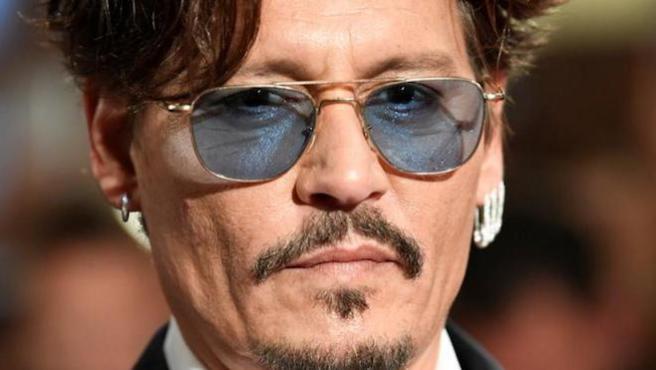Escriben insultos en la estrella de Johnny Depp en el Paseo de la Fama