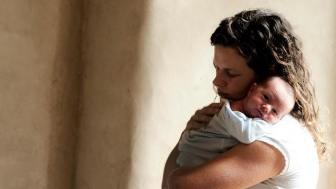 El impacto del cambio fiscal de la maternidad resta 1.602 millones al IRPF.