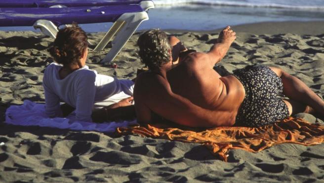 Turistas en una playa de Málaga