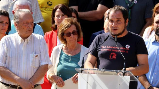 El periodista Martí Anglada, la historiadora Anna Sallés y el activista y exdiputado de la CUP David Fernàndez han ejercido de portavoces.