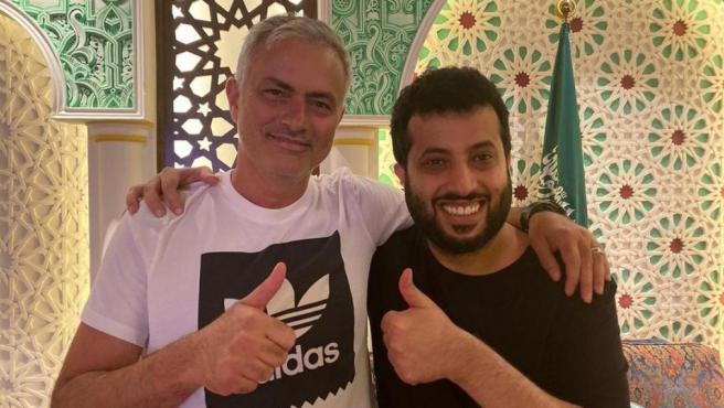 Jose Mourinho y Turki Al-Sheikh, dueño de la UD Almería.