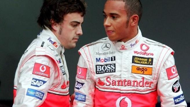 La temporada 2007 que compartieron Lewis Hamilton y Fernando Alonso pasó a la historia por la rivalidad entre ambos, que luego acabó tornando en una buena relación.
