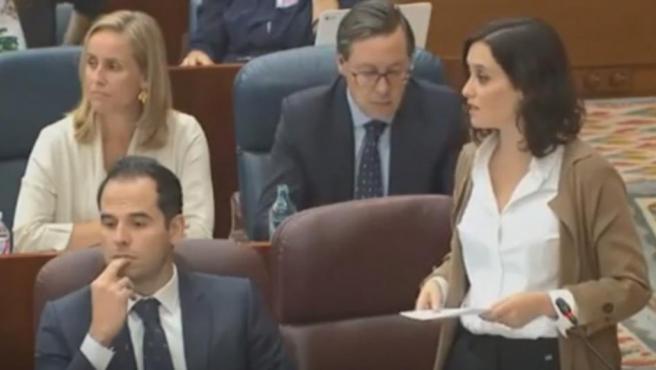 La presidenta de la Comunidad de Madrid, Isabel Díaz Ayuso, durante una intervención en la Asamblea.