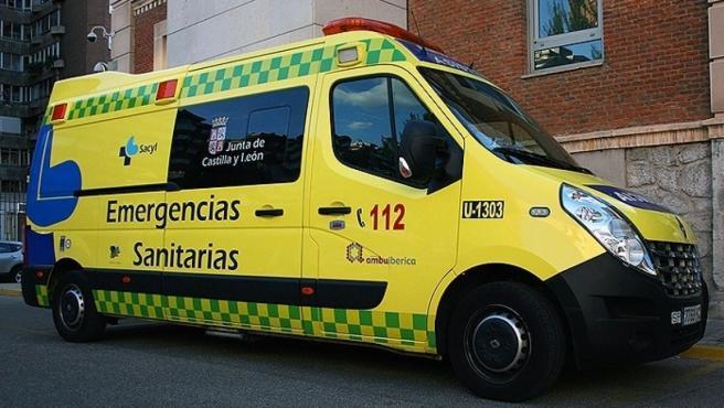 Una imagen de archivo de la ambulancia de Emergencias Sanitarias en Valladolid.