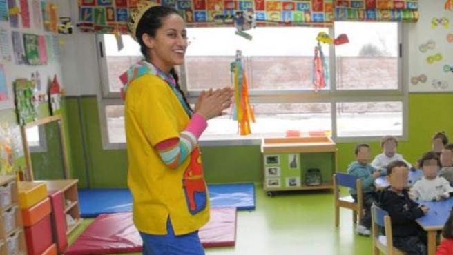Una maestra en una escuela infantil en Madrid.