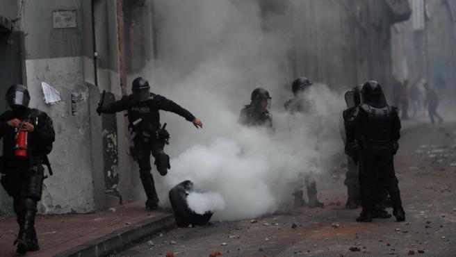 Disturbios en Quito durante las protestas contra las medidas económicas del Gobierno ecuatoriano.