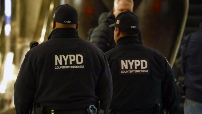 Dos miembros de la policía de Nueva York.