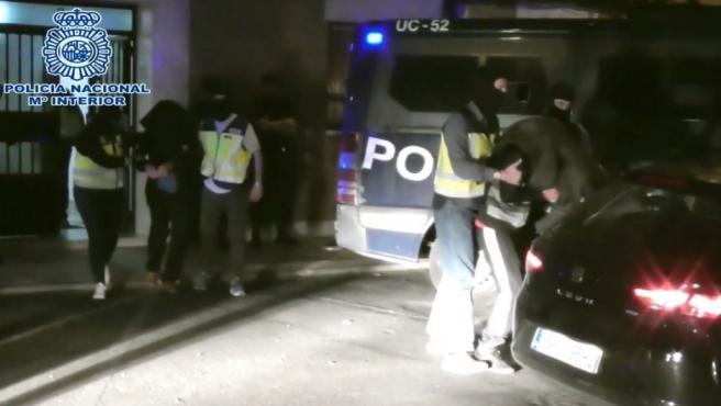 Imagen de los dos detenidos por la Policía Nacional.