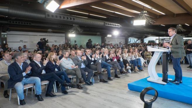Alberto Nuñez Feijóo en un encuentro con simpatizantes y políticos del PP en Oleiros (A Coruña)