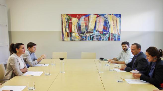 Sandra Gómez se reúne con Martínez Damau para abordar la rehabilitación del Cabanyal