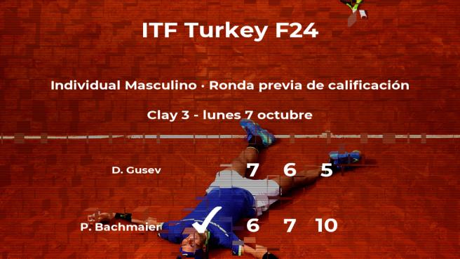 Philip Bachmaier vence a Daniil Gusev en la ronda previa de calificación