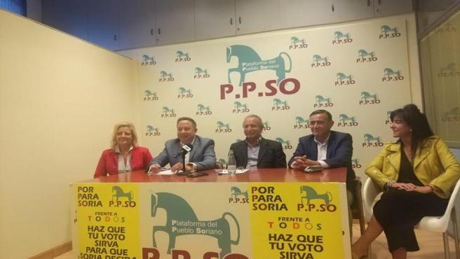 De izda a dcha, Ascensión Pérez, Adolfo Sainz, José Antonio de Miguel, Antonio Pardo e Isabel Bartolomé.
