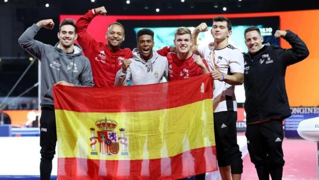 El equipo español artística, tras asegurar el billete olímpico a Tokio 2020.