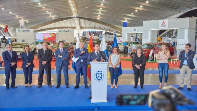 El presidente del Cabildo de Tenerife, Pedro Martín, en la inauguración del 'Salón del Automóvil'