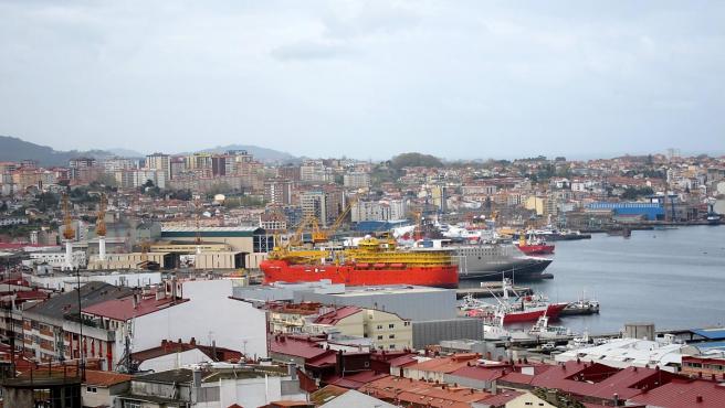 Vista Del Astillero Barreras En La Ría De Vigo.
