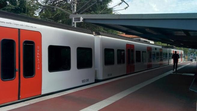 Tren de FGC, Ferrocarrils de la Generalitat de Catalunya.