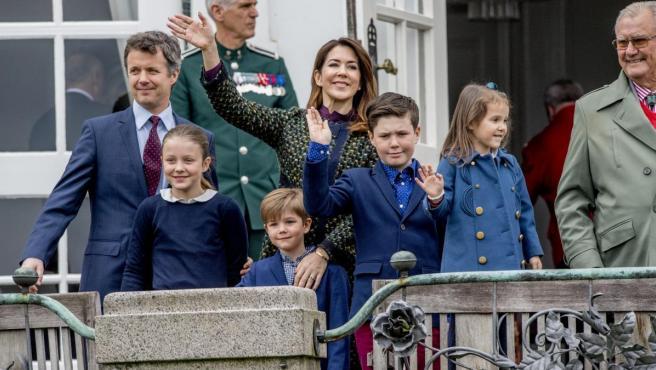Mary y Federico de Dinamarca durante un acto en Palacio.