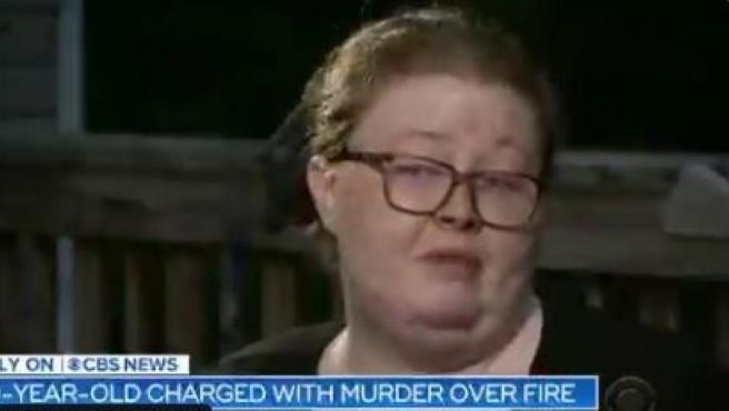 Madre de un niño de nueve años acusado de matar a cinco personas en un incendio.