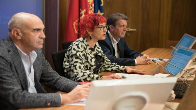 Manuel Carpintero, Santos Induráin y Aurelio Barricarte durante la rueda de presentación de la campaña.