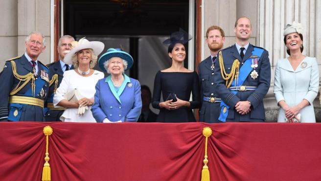 Balcón de Buckingham Palace, con la familia real británica.