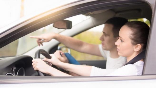 La tecnología tiene un papel fundamental en los exámenes prácticos de conducir.