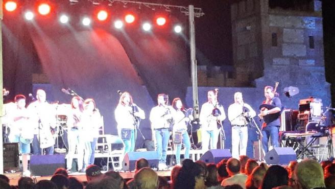 Imagen del concierto de Luar Na Lubre en la Huerta del Obispo, Alcalá de Henares, antes de que tuviera lugar el accidente.