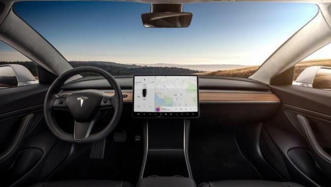 Interior de un Tesla Model 3, en una imagen de archivo.