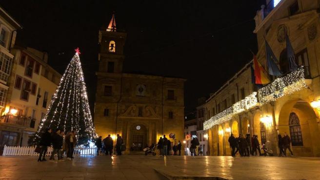 Iluminación navideña en Oviedo.