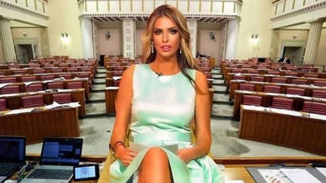 La exconejita Playboy y candidata a presidenta de Croacia, Ava Karabatic, en un montaje de su Instagram.