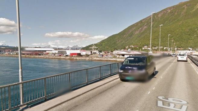 Puente de acceso a Narvik, Noruega.