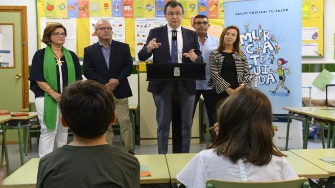 El alcalde Ballesta en la la presentación de la Guía de la Salud