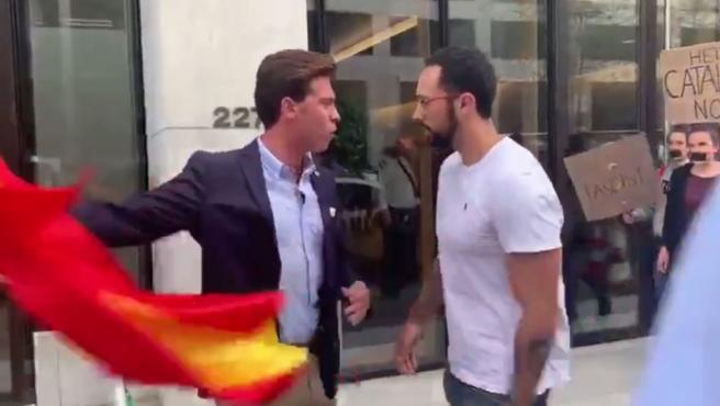 Enfrentamiento de Alberto Tarradas con los manifestantes catalanes.